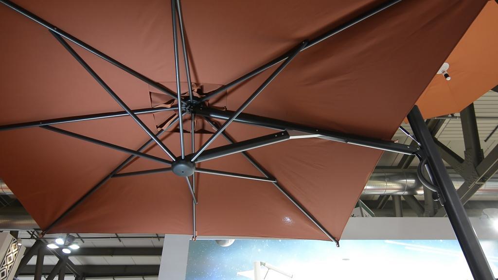 Parasol déporté design Astro SCOLARO