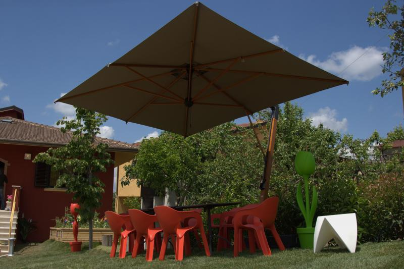 Cantilever parasol restaurant Palladio Braccio SCOLARO