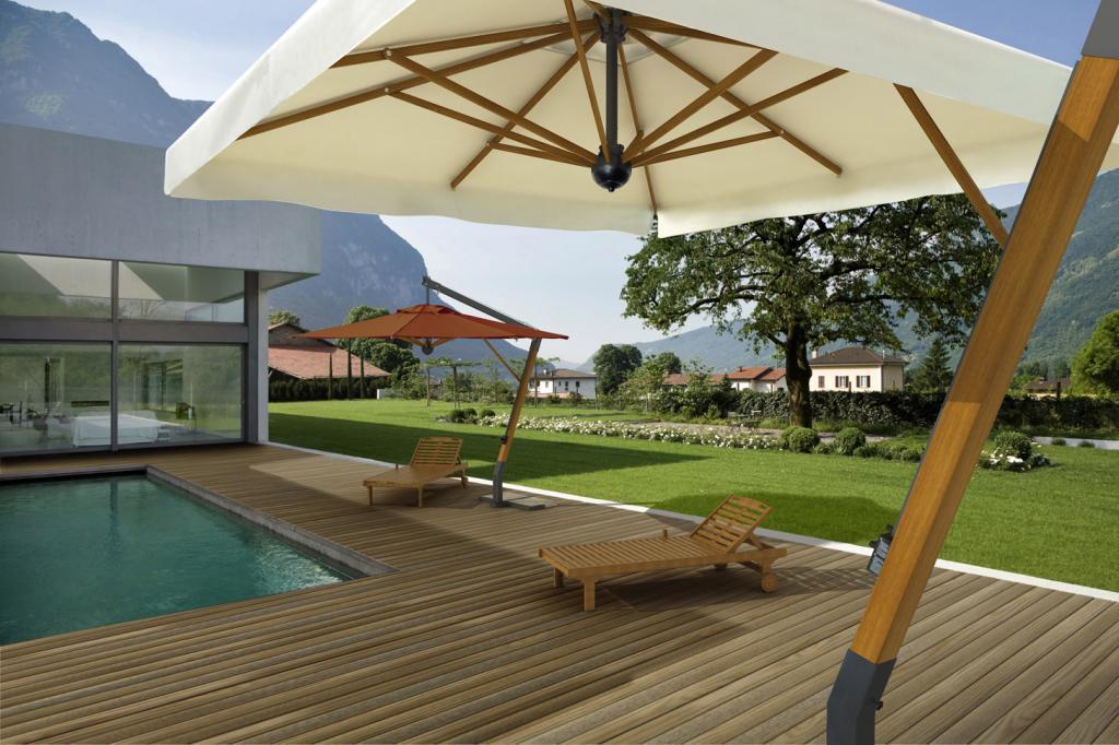 Top of the range cantilever parasol Palladio Braccio SCOLARO